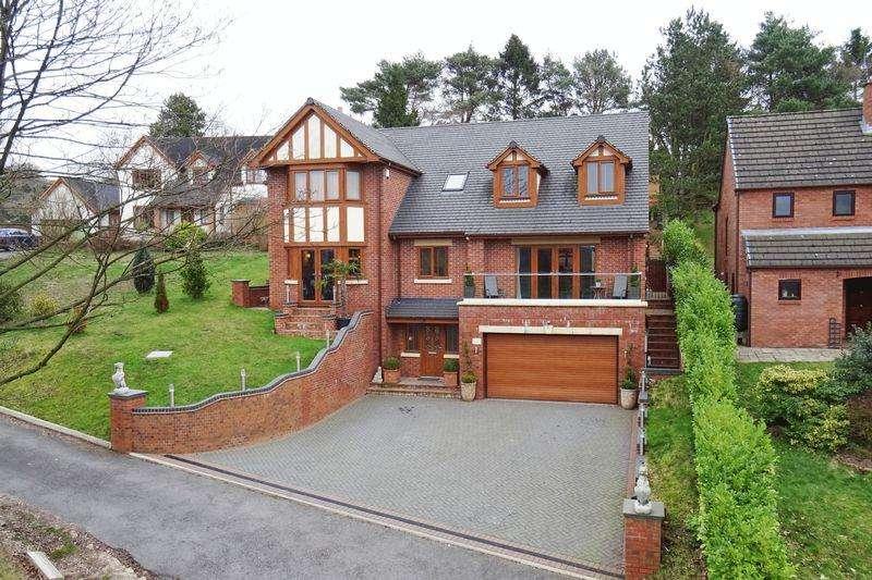 5 Bedrooms Detached House for sale in Cheddleton Road, Leek, Staffordshire, ST13