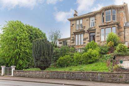4 Bedrooms Flat for sale in Eldon Street, Greenock