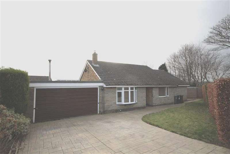 3 Bedrooms Detached Bungalow for sale in Paddock Close, Wyke, West Yorkshire