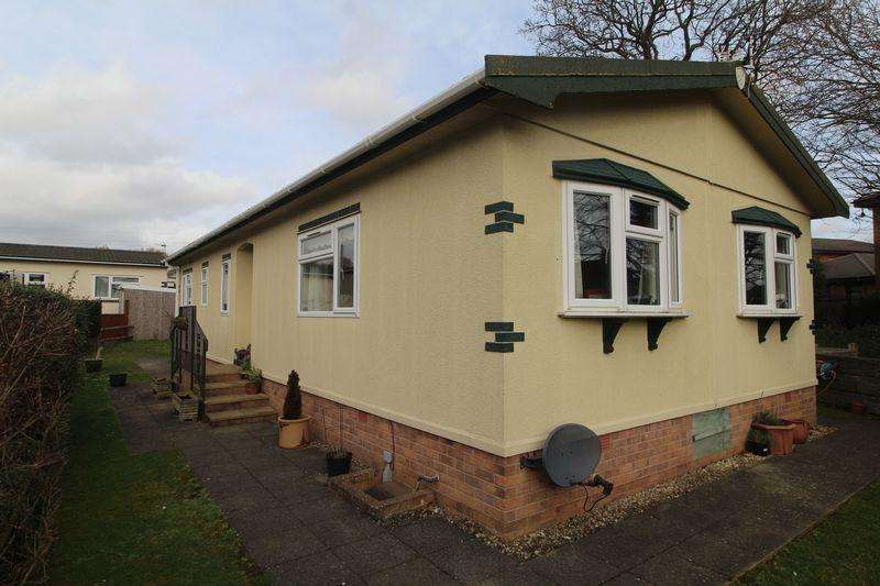 2 Bedrooms Park Home Mobile Home for sale in Woodlands Park, Almondsbury
