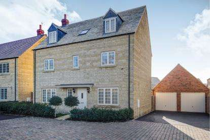 5 Bedrooms Detached House for sale in Bluebell Close, Moreton In Marsh