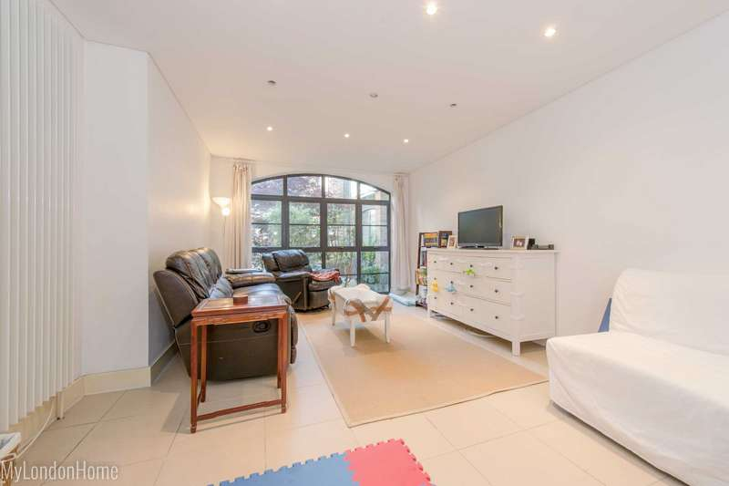 4 Bedrooms Maisonette Flat for sale in Latchfords Yard, Covent Garden, London, WC2H