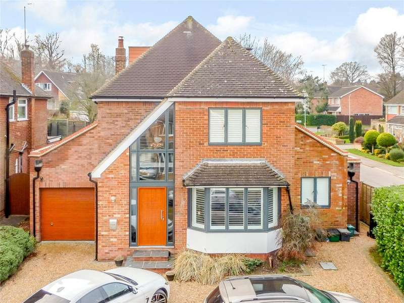 4 Bedrooms Detached House for sale in Mayfield Close, Harpenden, Hertfordshire