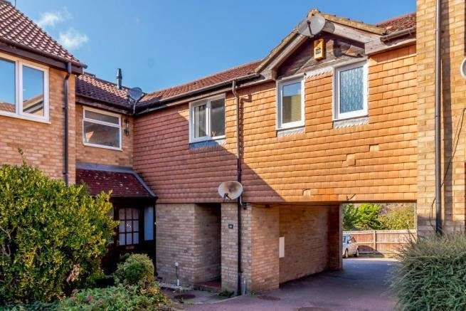 1 Bedroom Apartment Flat for sale in Pomeroy Grove, Luton, Bedfordshire, LU2 7SY