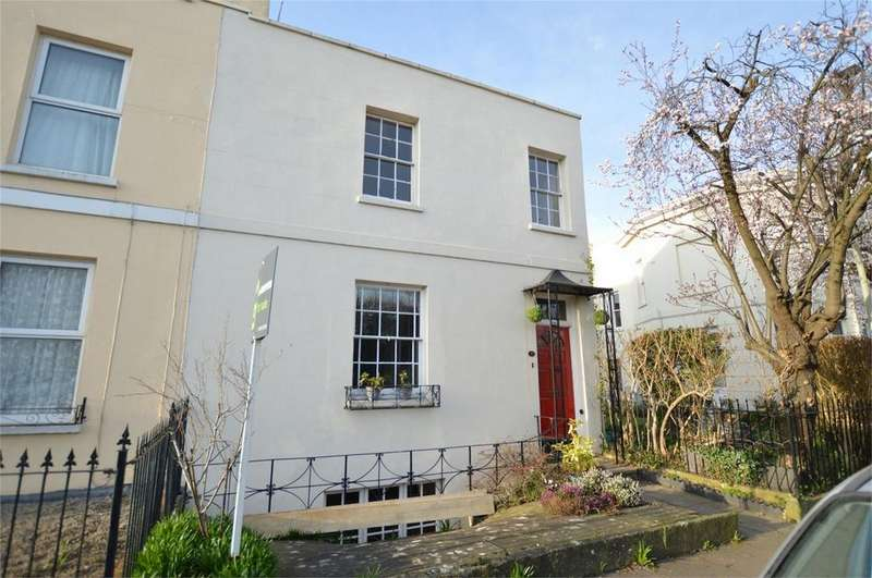2 Bedrooms Town House for sale in Carlton Street, Cheltenham