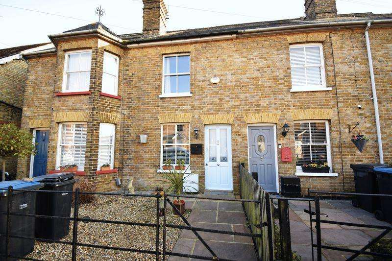 3 Bedrooms Terraced House for sale in Bury Road, Old Harlow, Essex