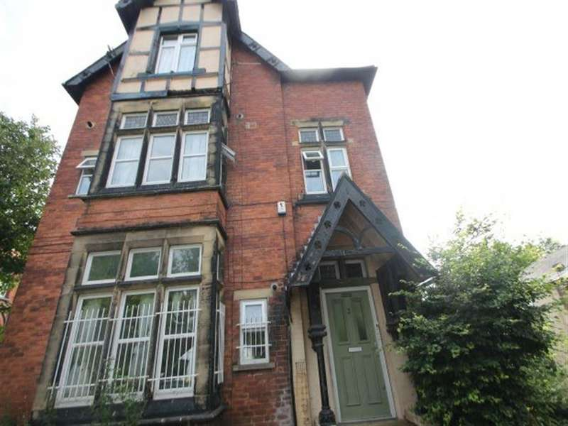 11 Bedrooms Terraced House for rent in Grosvenor Road, Hyde Park, Leeds, LS6 2DZ