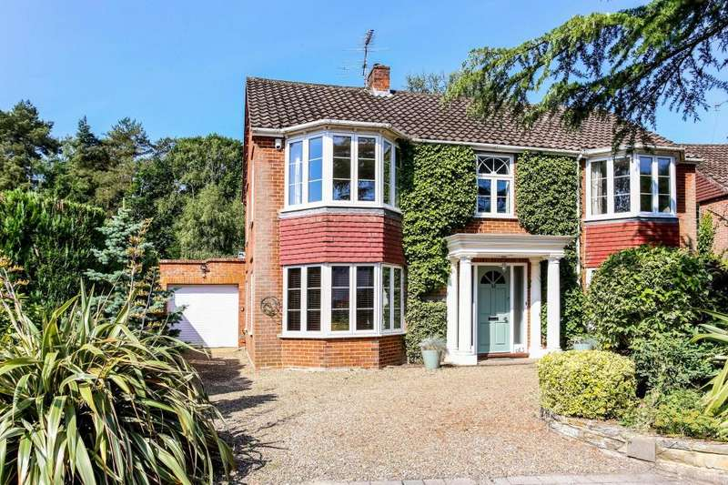 5 Bedrooms Detached House for sale in Woodlands Close, Ascot
