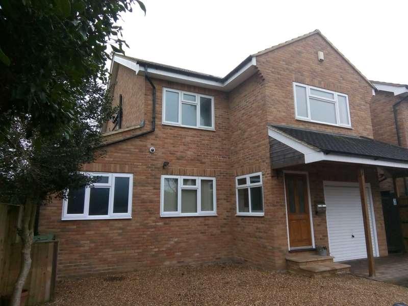 5 Bedrooms Detached House for sale in Hogfair Lane, Burnham, SL1 8BS