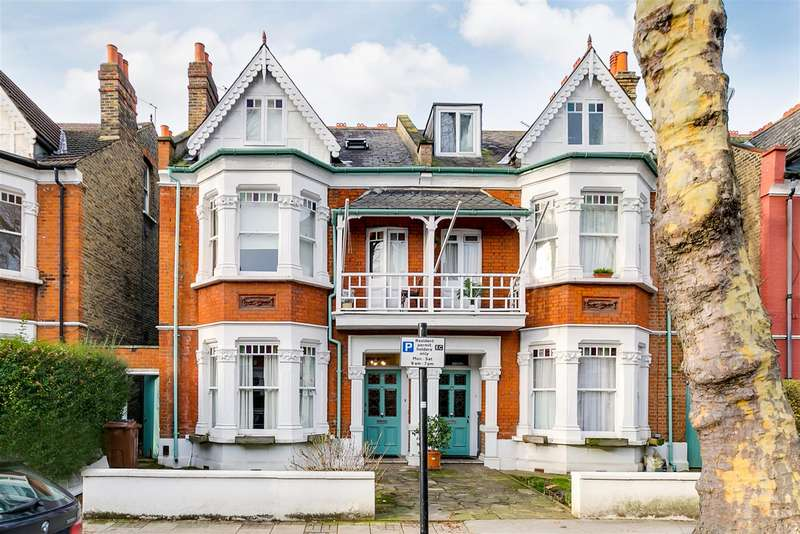 6 Bedrooms Semi Detached House for sale in Thornton Avenue, London