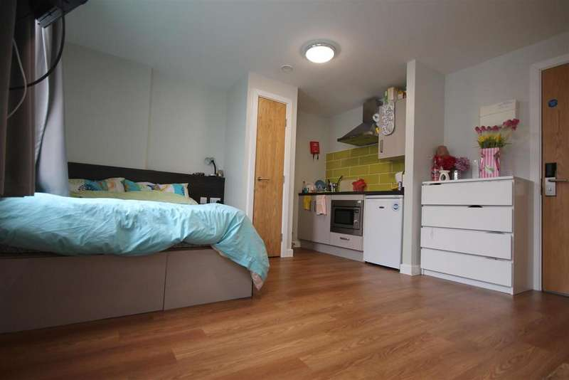 Studio Flat for sale in Burgess House, St James Boulevard, Newcastle Upon Tyne