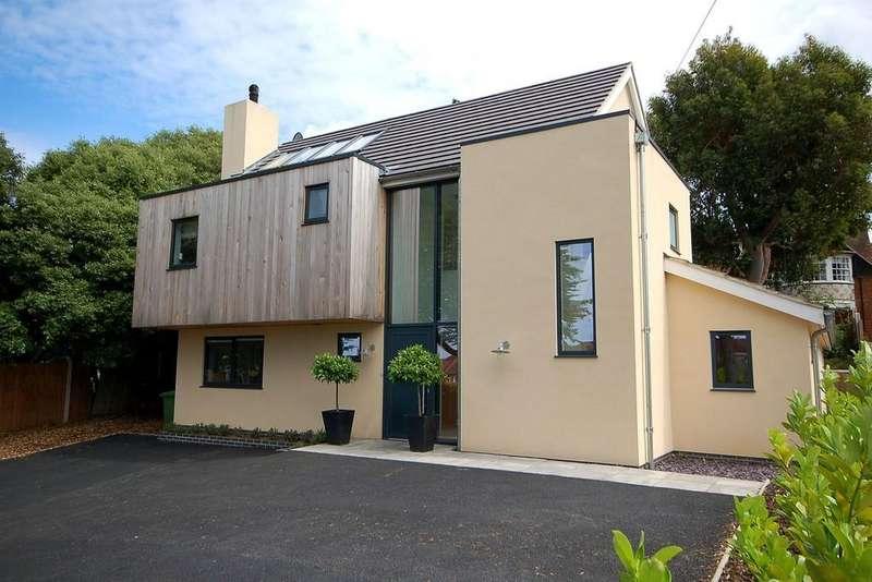 5 Bedrooms Detached House for sale in Holt Road, Sheringham