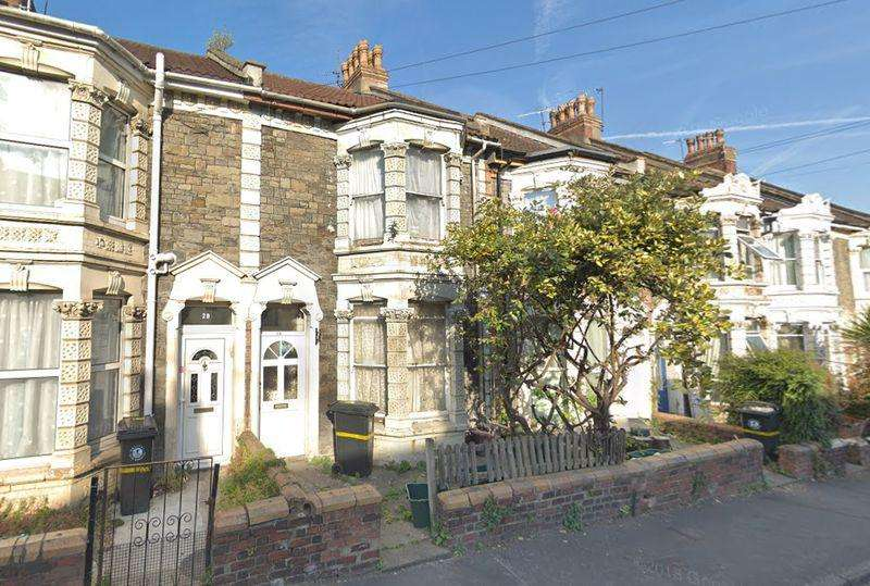 2 Bedrooms Terraced House for sale in Lansdown Road, Bristol