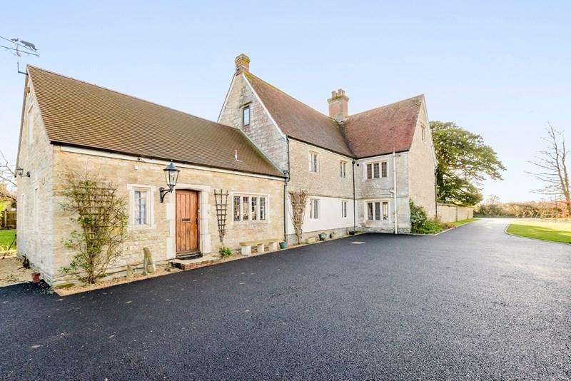 5 Bedrooms Detached House for sale in Marnhull, Dorset