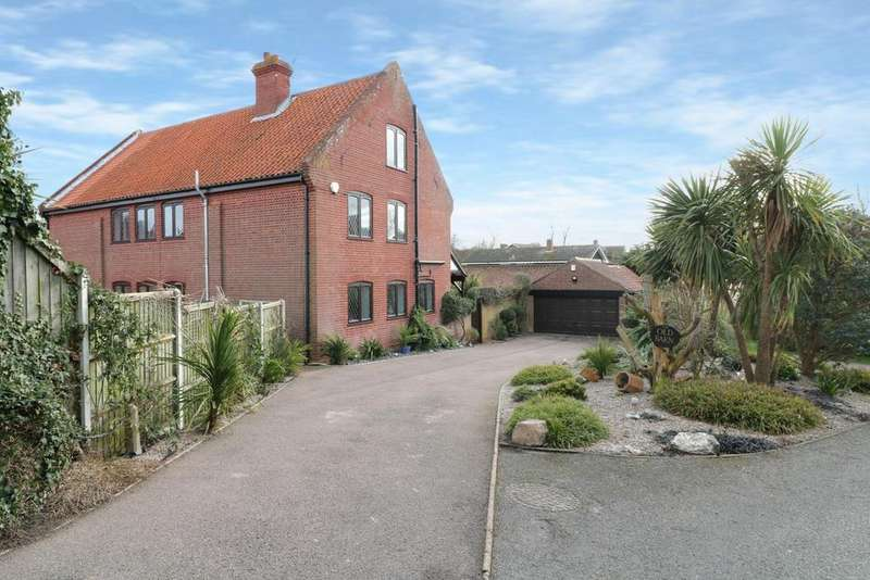 4 Bedrooms Barn Conversion Character Property for sale in Gorleston, NR31