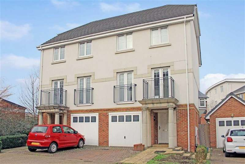 4 Bedrooms Semi Detached House for sale in Kingsquarter, Maidenhead, Berkshire