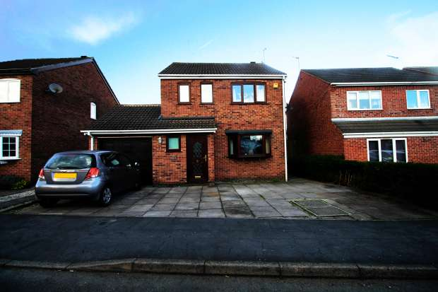 3 Bedrooms Detached House for sale in Charnwood Road, Leicester, Leicestershire, LE9 8FL