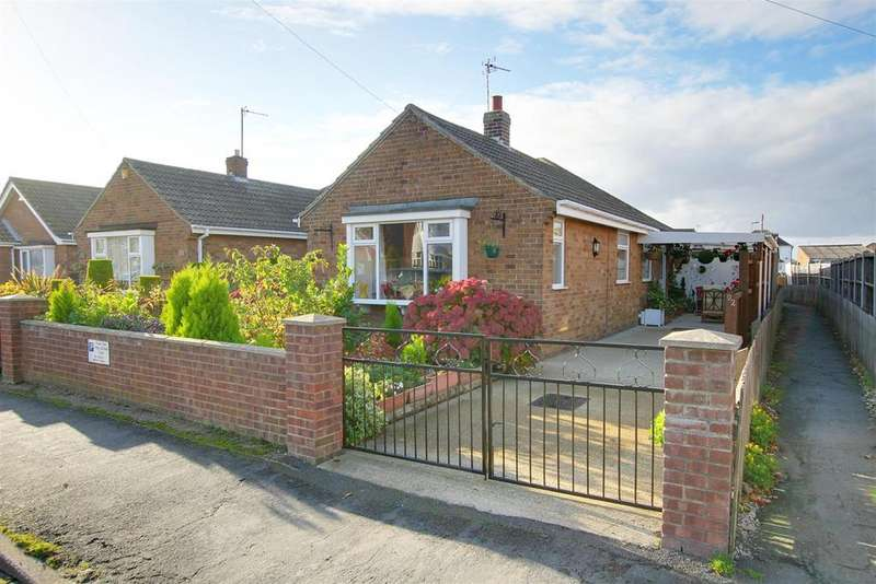 2 Bedrooms Semi Detached Bungalow for sale in George Street, Mablethorpe