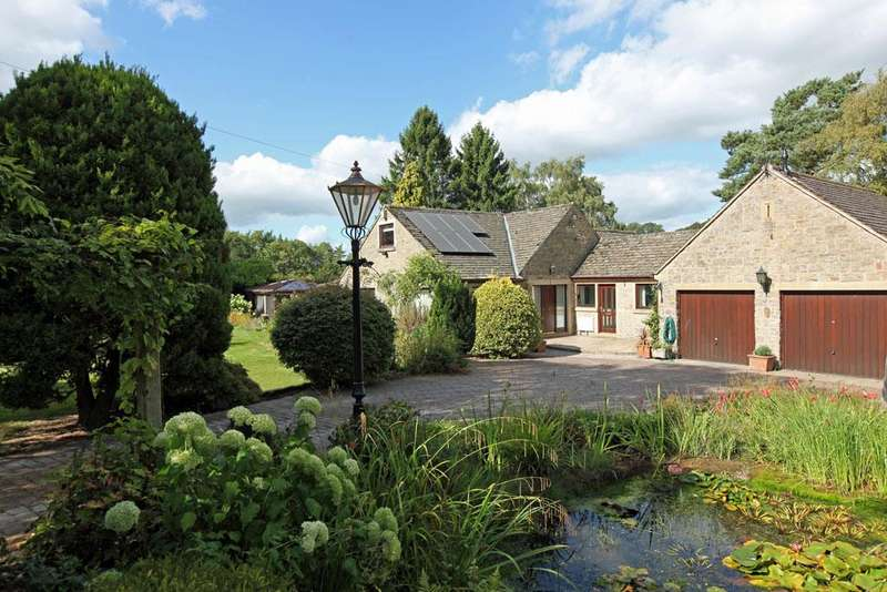 4 Bedrooms Detached House for sale in Herons Lodge, Greenhills, Bakewell, Derbyshire, DE45