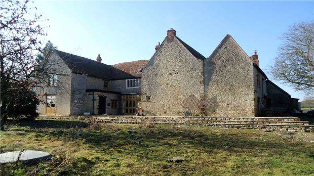 4 Bedrooms Detached House for sale in Higham Park Farmhouse, Higham Park Road, Rushden