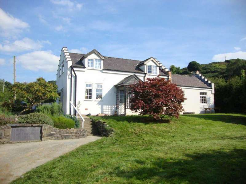 5 Bedrooms Detached House for sale in Betws Yn Rhos