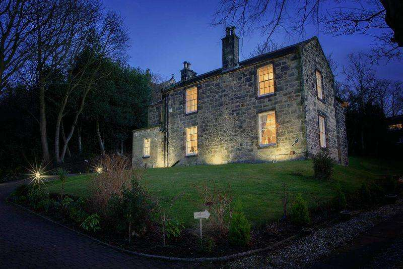 5 Bedrooms Detached House for sale in The Old Manse, 11 Erngath Road, Bo'ness
