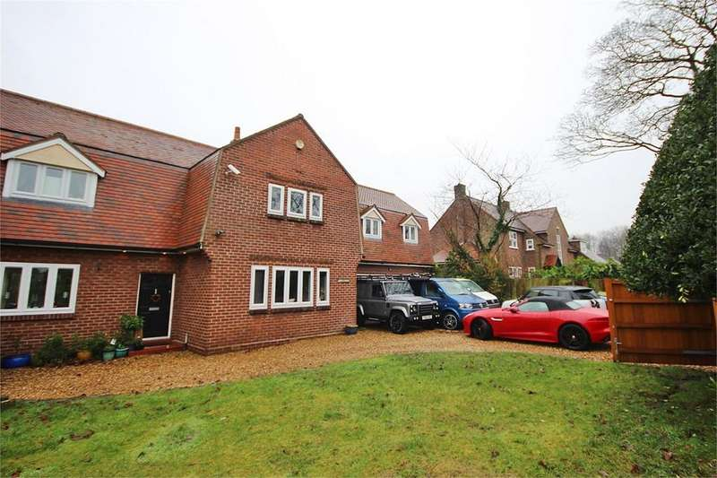 5 Bedrooms Detached House for sale in Liverpool Road, Ashton-in-Makerfield, Wigan, WN4