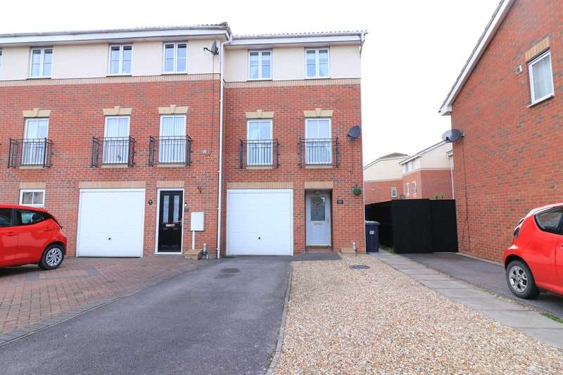 3 Bedrooms Terraced House for sale in Goodwood Way, Lincoln, Lincolnshire, LN6