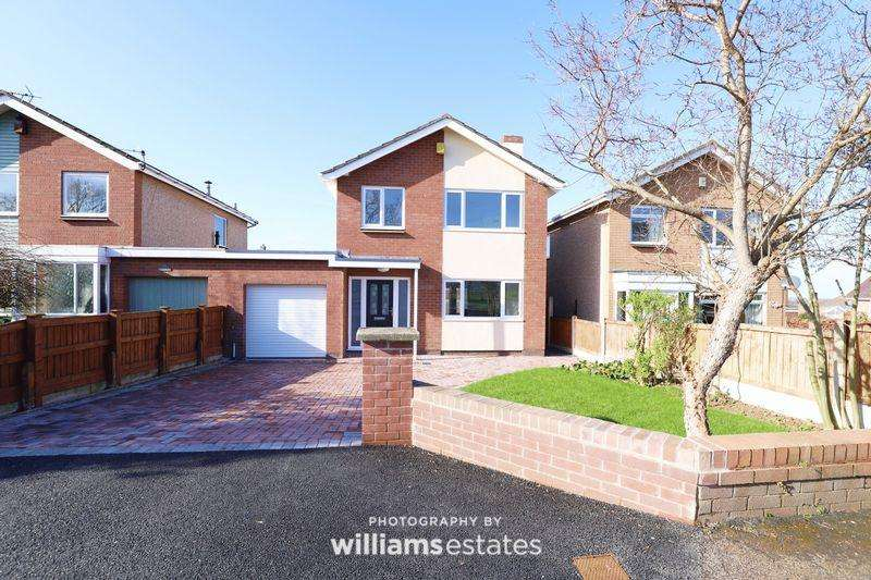 3 Bedrooms Detached House for sale in Upper Denbigh Road, St. Asaph