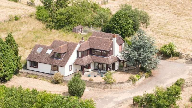 5 Bedrooms Detached House for sale in Agden Green, Stonely