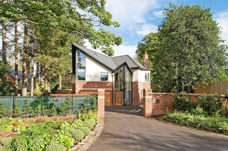 5 Bedrooms Detached House for sale in Wilmslow Park South, Wilmslow, Cheshire, SK9