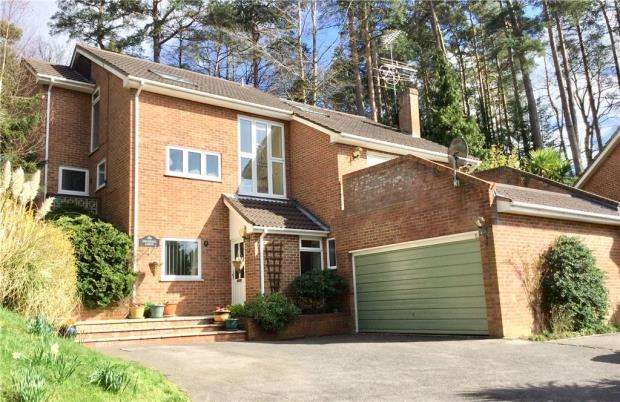 4 Bedrooms Detached House for sale in Cock-a-Dobby, Little Sandhurst, Berkshire
