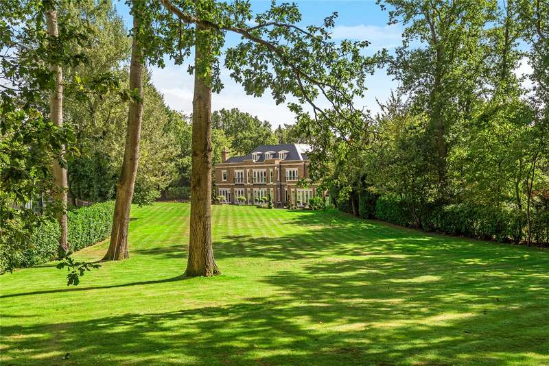 7 Bedrooms Detached House for sale in Woodlands Road East, Virginia Water, Surrey, GU25