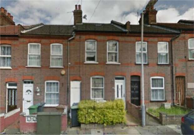 3 Bedrooms Terraced House for sale in St Peters Road, Luton, Bedfordshire
