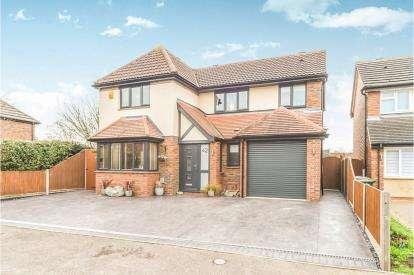 4 Bedrooms Detached House for sale in Kestrel Way, Sandy, Bedfordshire, England