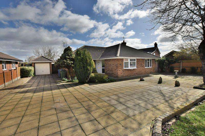 3 Bedrooms Detached Bungalow for sale in Hackthorn Road, Welton, Lincoln