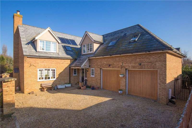5 Bedrooms Detached House for sale in Shefford Road, Clifton, Shefford, Bedfordshire