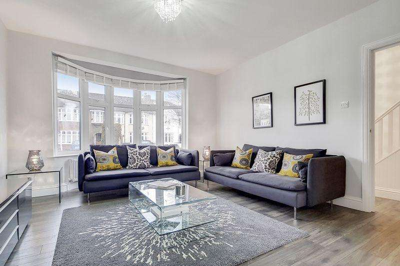 4 Bedrooms Terraced House for sale in Camborne Road, Morden