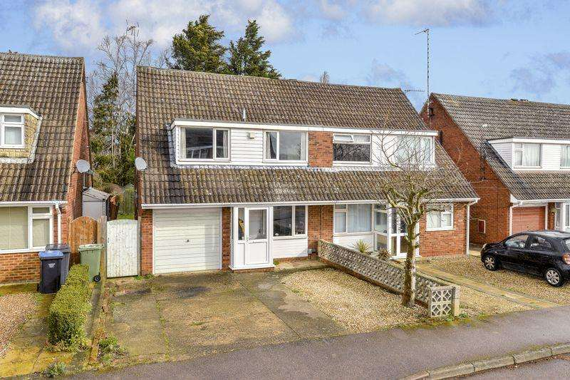 3 Bedrooms Semi Detached House for sale in Willow Crescent, Market Harborough