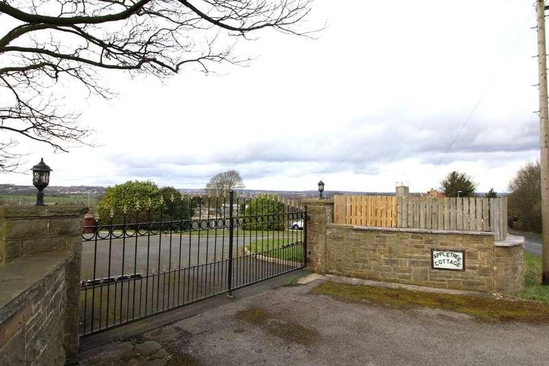 3 Bedrooms Semi Detached Bungalow for sale in Gildersome Lane, Gildersome,Morley, Leeds, LS27