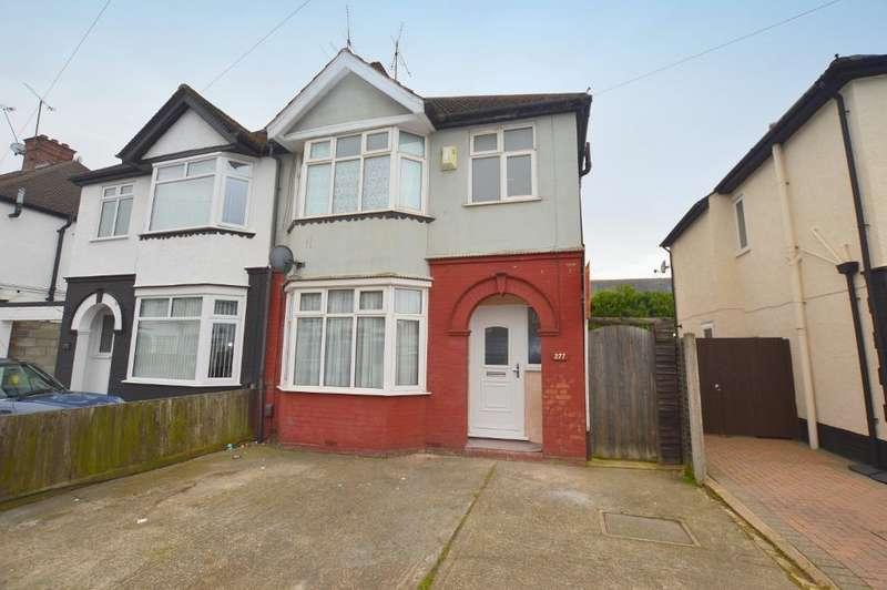 3 Bedrooms Semi Detached House for sale in Beechwood Road, Luton, LU4 9RA