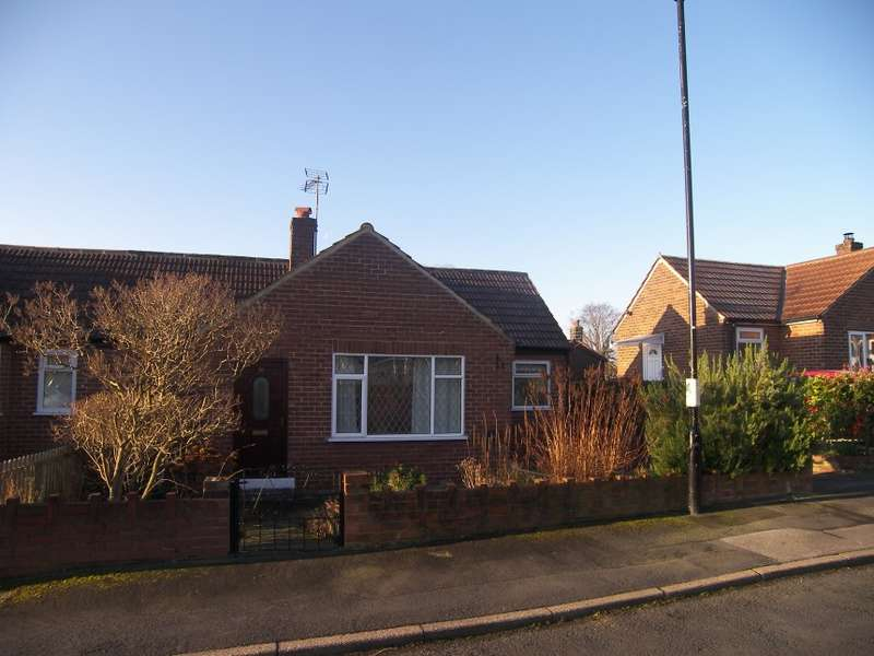 1 Bedroom Semi Detached Bungalow for sale in 10 Woodway Drive, Horsforth, Leeds, West Yorkshire