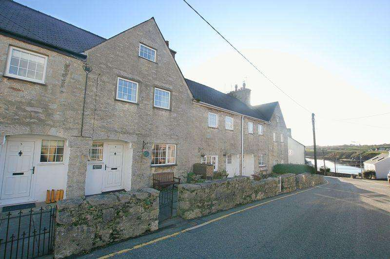 3 Bedrooms Terraced House for sale in Moelfre, Anglesey