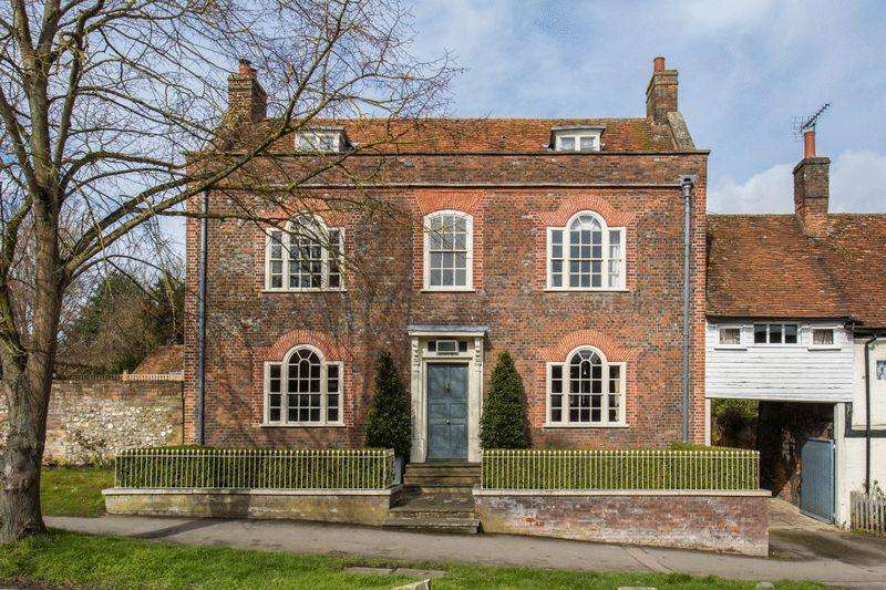 6 Bedrooms Unique Property for sale in Central Wendover