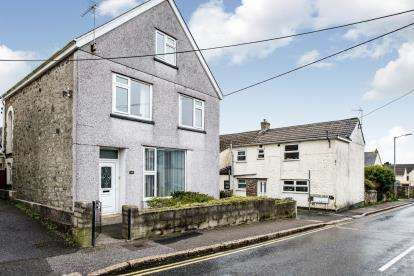 4 Bedrooms Detached House for sale in St. Austell, Cornwall, England