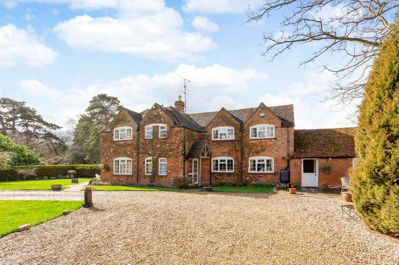 4 Bedrooms House for sale in Stanbury Park, Wellington Court, Reading, RG7