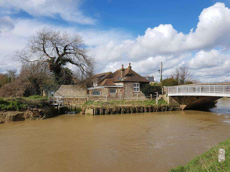 3 Bedrooms Detached House for sale in Bramber