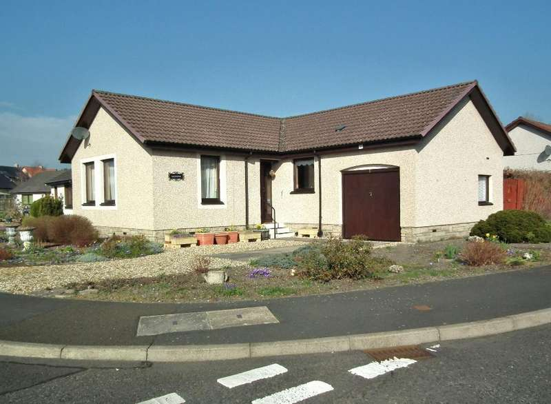 3 Bedrooms Detached Bungalow for sale in 1 Hirsel View, Coldstream TD12 4BZ