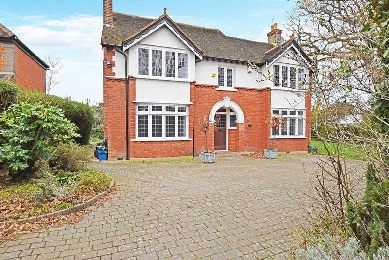 4 Bedrooms Detached House for sale in Wensleydale Road, Hampton