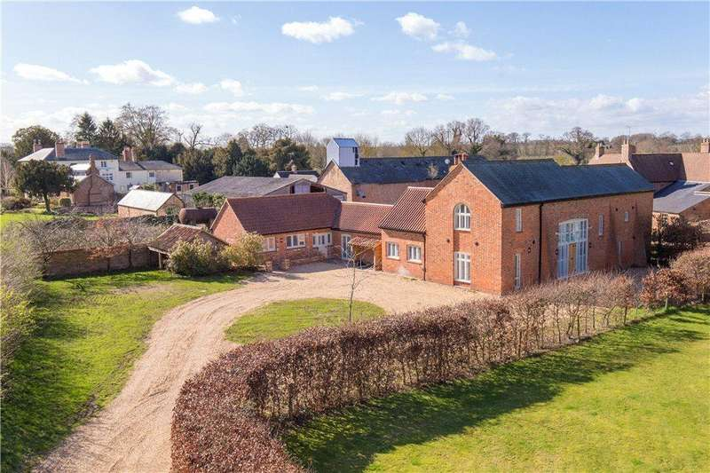 4 Bedrooms Barn Conversion Character Property for sale in High Street, Upper Dean, Huntingdon, Bedfordshire